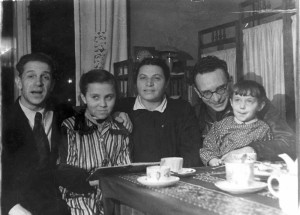 Пелевин,Таня Пахарькова, Пахарькова, Аркин, Лена Пахарькова, Москва, ноябрь, 1950 г