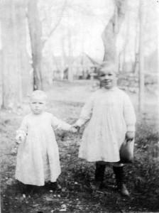 1904 май Ия и Дий на аллее