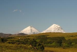 4. Вулканы Ключевская Сопка и Камень