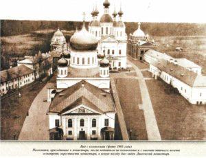 9-Вид на храмы с колокольни 001