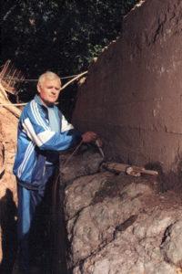 Фото 1 - 2000.08 - Вход в пещеры.Перед взрывом стены.Зотов